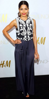 Freida Pinto : shoppez son look issu de la nouvelle collection Conscious de H&M !
