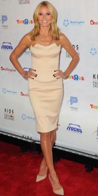 Heidi Klum : canon en petite robe bustier !