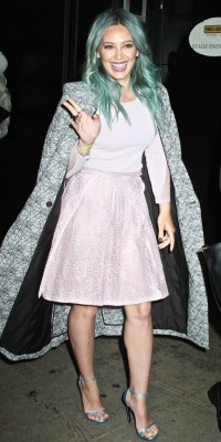 Hilary Duff somptueuse total look pastel !