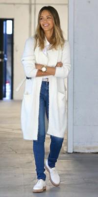 Jessica Alba : Chic et branchée dans les rues de Los Angeles !