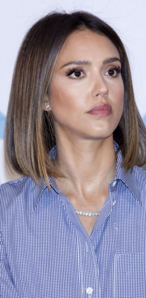 Jessica Alba : craquante avec ses yeux de biche