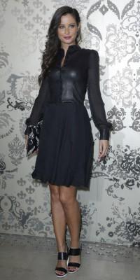 Malika Menard : le cuir et le noir... Son combo idéal !