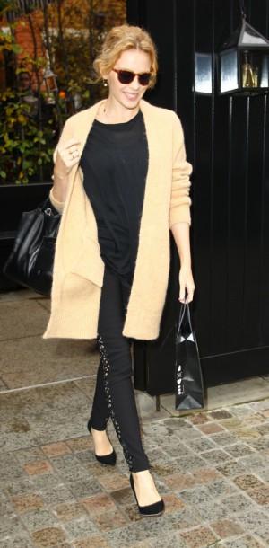 Mode : Kylie Minogue : élégante en toutes circonstances !