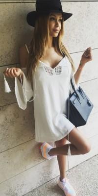Nabilla Benattia VS Caroline Receveur : qui porte le mieux la petite robe blanche ?