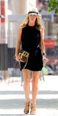 Nicky Hilton : un look sobre mais bling-bling !