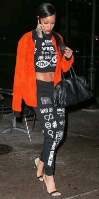 Rihanna : orange is the new black !