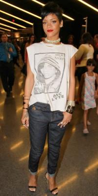 Rihanna : où shopper son look street chic en moins cher ?