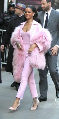 Rihanna : Un vrai petit bonbon !