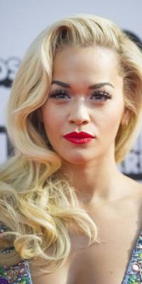 Rita Ora : le too much ? Elle s'en moque !