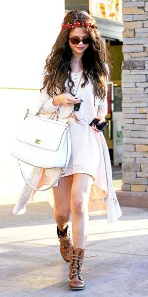 Selena gomez o shopper son look en moins cher - Ou habite selena gomez ...