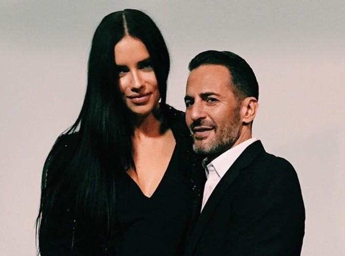 Adriana Lima, égérie du nouveau parfum Decadence de Marc Jacobs !