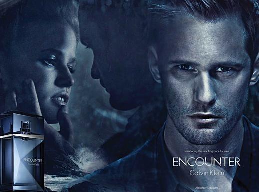 Alexander Skarsgard : le beau-gosse de True Blood joue les tombeurs pour le nouveau parfum Calvin Klein !