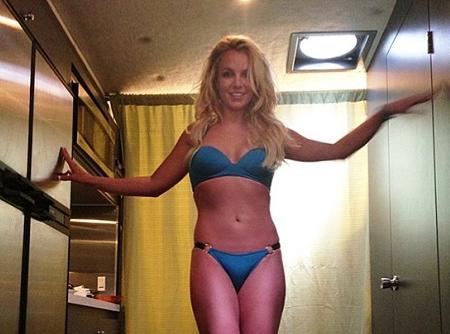 """Beauté: Britney Spears : son torride bikini-body est le résultat d'un """"entraînement digne des Jeux Olympiques !"""""""