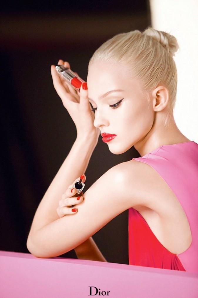 Sasha Luss, resplendissante pour Dior