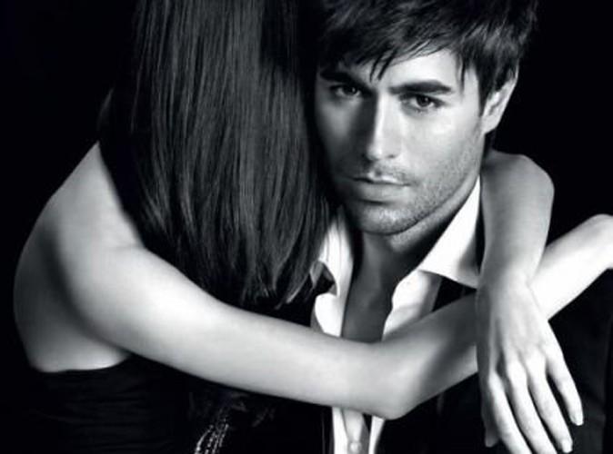 Beauté : Enrique Iglesias, un beau gosse muy caliente pour le parfum Azzaro !