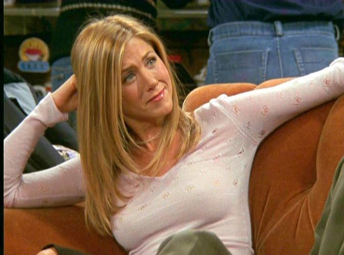 """Beauté :  Jennifer Aniston : Sa coupe de cheveux dans la série Friends a été réalisée par un coiffeur """"défoncé"""" !"""