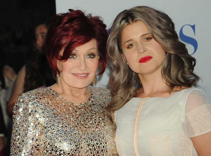 Beauté : Kelly Osbourne, sa mère pas fan de son look mamie !