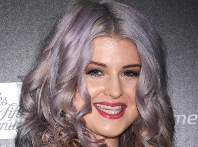 Beauté : Kelly Osbourne voit la vie en violet !
