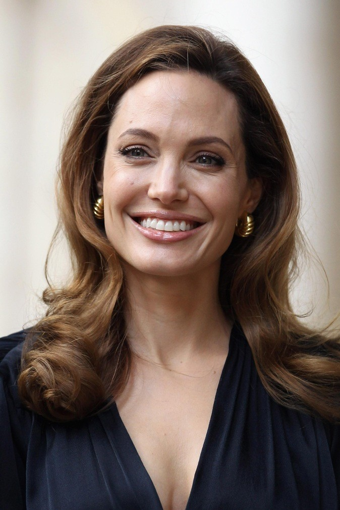 Angelina Jolie : les copeaux de bois et le thé !
