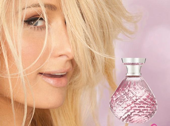 Beauté : Paris Hilton : complètement mégalo, l'héritière ne porte que ses parfums !