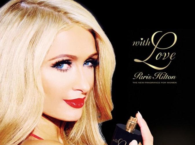 """Beauté : Paris Hilton : elle en est déjà à sa 17ème fragrance, """"With love, Paris Hilton"""" !"""
