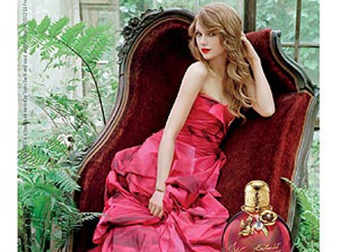 Beauté : Taylor Swift, muse sensuelle pour son second parfum Wonderstruck Enchanted !