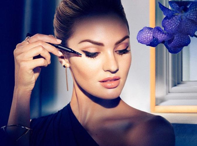 Candice Swanepoel : chic et élégante pour la marque de cosmétiques Max Factor