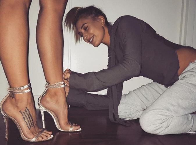 Hailey Baldwin : elle signe sa première collection de chaussures !