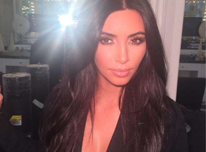 """Kim Kardashian nue pour Love Magazine : """"elle fait penser à un ballon des sculptures de Jeff Koons"""""""