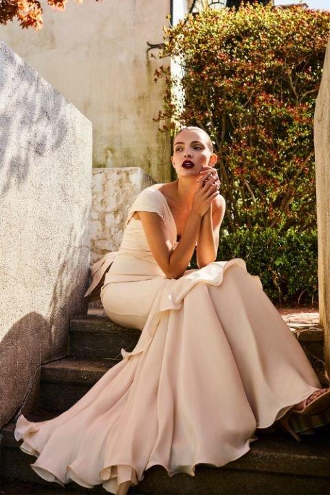 Mariage : Découvrez la collection de robes chic et bohèmes de la créatrice Johanna Ortiz