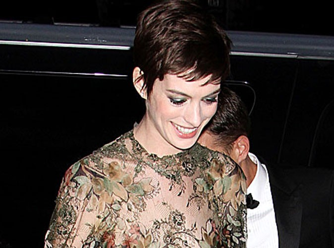 "Mode: Anne Hathaway dira ""oui"" en Valentino!"