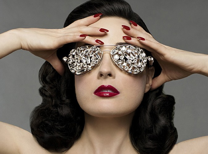 Mode : Dita Von Teese lance sa propre collection de lingerie !