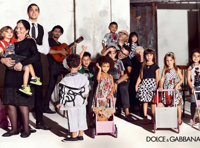 Mode : Domenico Dolce et Stefano Gabbana : entourés d'enfants pour une pub optimiste !