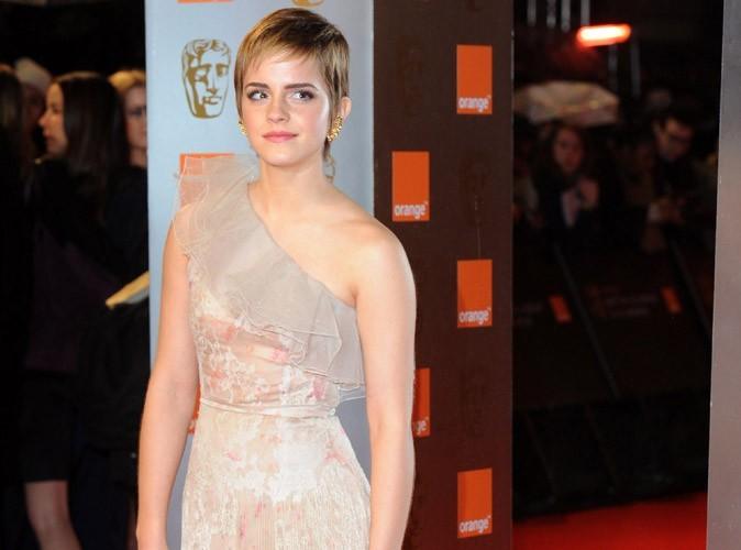 Mode : Emma Watson botte les fesses de Cheryl Cole et prend la tête du classement des femmes les mieux habillées du monde !