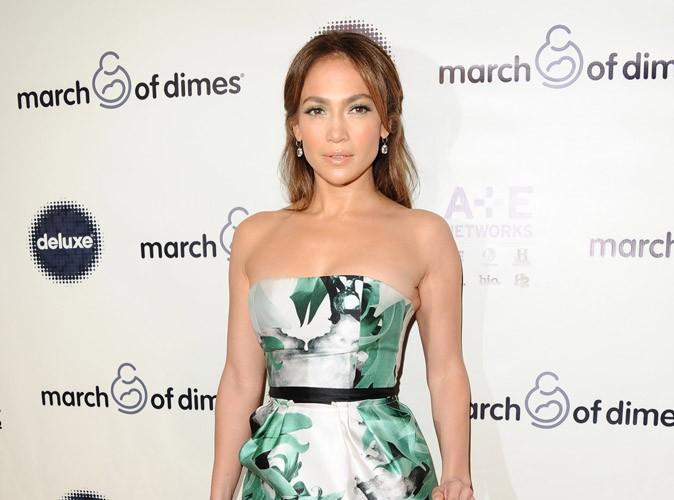 Mode : Jennifer Lopez est fière de ses formes et les assume complètement !