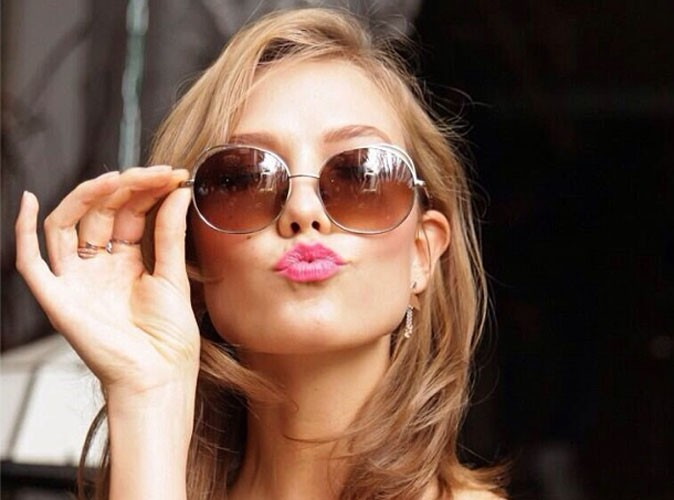 Mode : Karlie Kloss nous invite dans son dressing…!