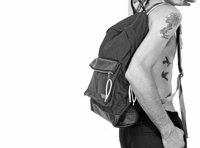 Mode: Kris Van Assche crée une collection pour Eastpak