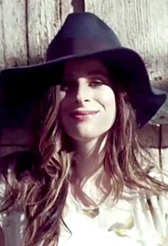 Mode : La fille de Steven Spielberg, Sasha, égérie de la campagne des lignes de vêtements de Nicole Richie !