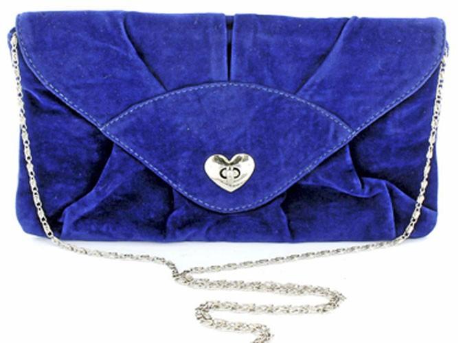 Mode : la pochette bleu Klein !