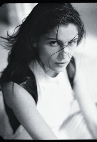 Mode : Laetitia Casta plus sensuelle que jamais pour Reed Krakoff !