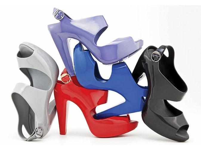 Mode : les sandales Arizona rendent le plastique glamour !