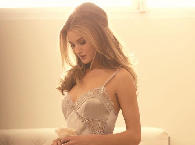 Mode : Rosie Huntington-Whiteley : sa ligne de lingerie pour Marks & Spencer est un carton !