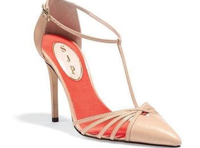 Mode : Sarah Jessica Parker copie Carrie Bradshaw pour sa première collection de chaussures !