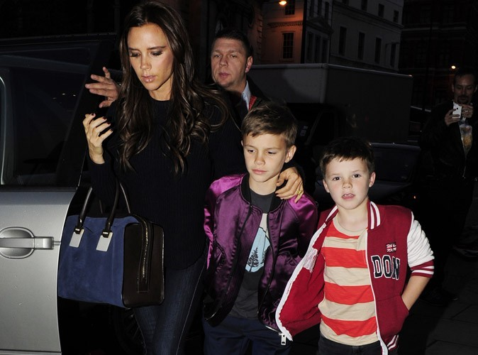 """Mode : Victoria Beckham déchirée entre sa vie de famille et sa vie professionnelle : """"Je me sens constamment coupable"""" !"""