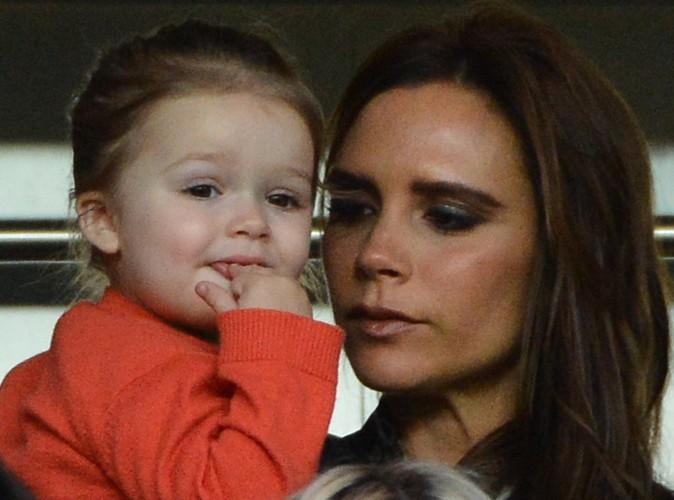 Mode : Victoria Beckham se cache de la vue de sa fille Harper pour se maquiller !