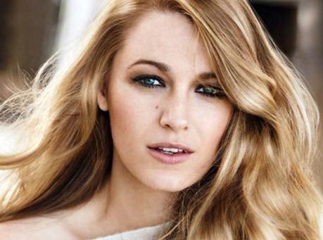 Blake Lively : une jeune maman rayonnante en bronde pour L'Oréal Paris !