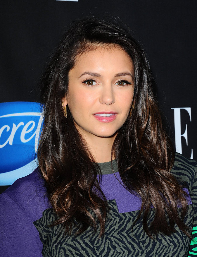 Photos : Lea Michele vs Nina Dobrev : duel de gambettes au gala Elle !