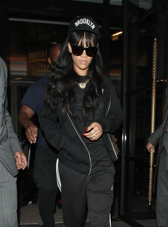 Rihanna en total look black !