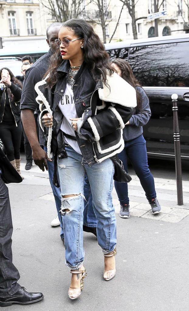 Les bijoux : Rihanna : Dsquared2 (2805 €)