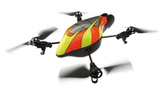 Quadricoptère avec caméra intégrée à piloter en Wifi via smartphone, tablette, portable. Parrot AR DRONE 2.0. Parrot. 240 €.